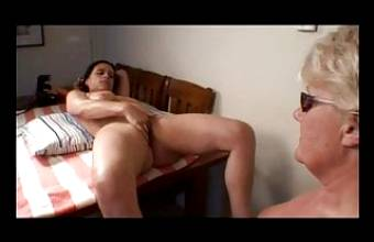 2 UK Escorts Cunnilingus