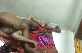 Famus Desi Couple Fucks Hardcore On The Floor, New Clip