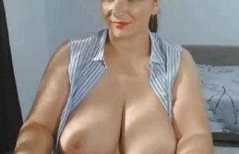 Horny Mom With Huge Boobs Masturbating On Webcam