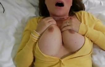 MILF gets creampied – homemade
