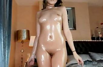 Oiled Hot Teen Online