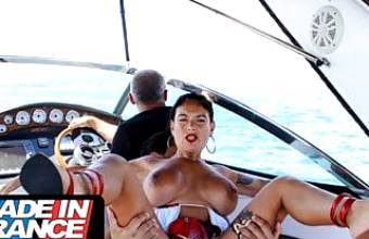 Sex on the yacht with a curvy cougar