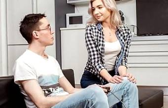 SIS.PORN. Babe is carnal with handsome stepbrother who trade