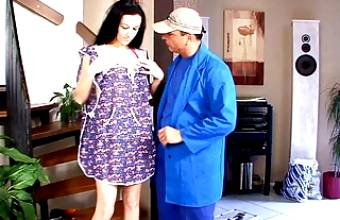 SLIM CLEANING TEEN MELI DELUXE SEDUCED TO FUCK BY OLD BOSS