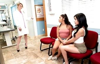 Stunning Savannah Sixx Needs Pussy Fingered At The Doctor!