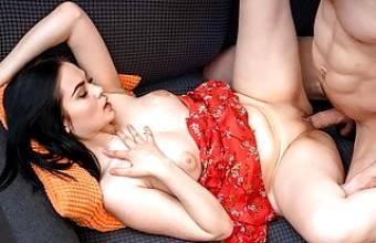 18 Videoz – Mileva – Hottie seduction hot bald guy