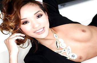 ALINA LI GETS TWO LOADS AT AUDITION