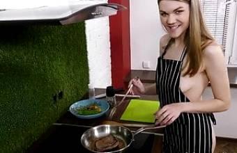 Amanda Clarke – Steak & Blowjob Day