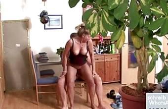 Deutsche Mutter beim ficken Nachbarn gefilmt