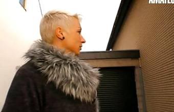 DEUTSCHLAND REPORT – Mature German Babe Seduced By Stranger