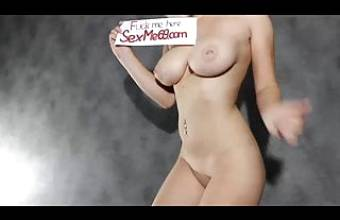 Fucks a beauty with a big ass. Cumming in it