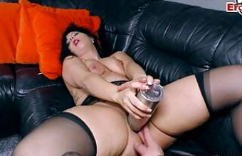 German milf tries fisting her pussy and stretches it