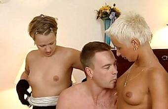 German swinger group – 90s retro with young Mandy Mystery