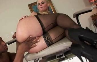 INTERRACIAL SEX WITH BLOND BIG BOOB MILF