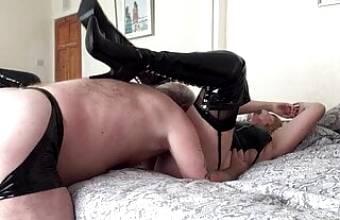 LINDA in black fuck me boots