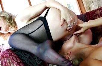 Sexy lesbians Nina Hartley and Natasha Voya