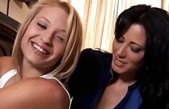 Sexy teens Zoey Holloway and Alyssa Branch love lesbian sex